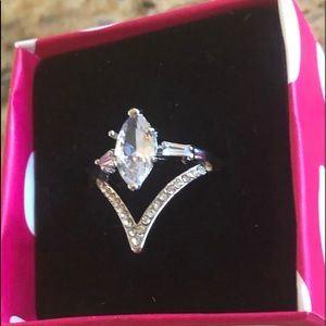 Pretty Girl Swag Jewelry Jewelry - Gorgeous Marquise Cut Fashion Ring